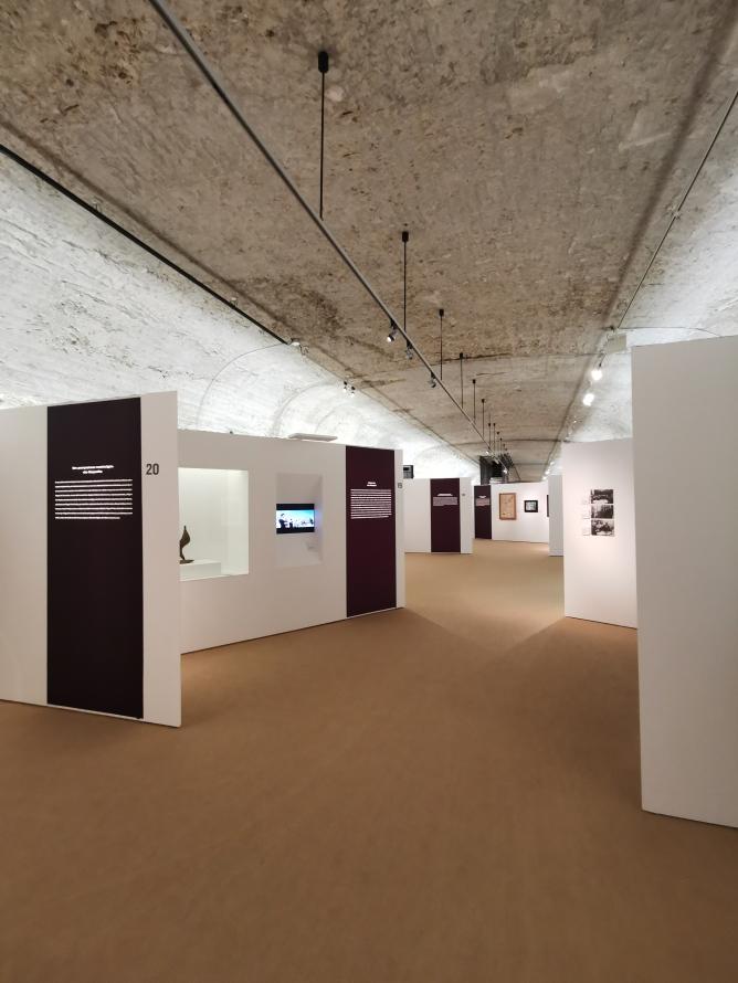 bov estudio - Expo Exilio 7 (Arquitectura)